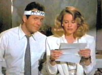 Moonlighting -- Maddie and David reading their fanmail